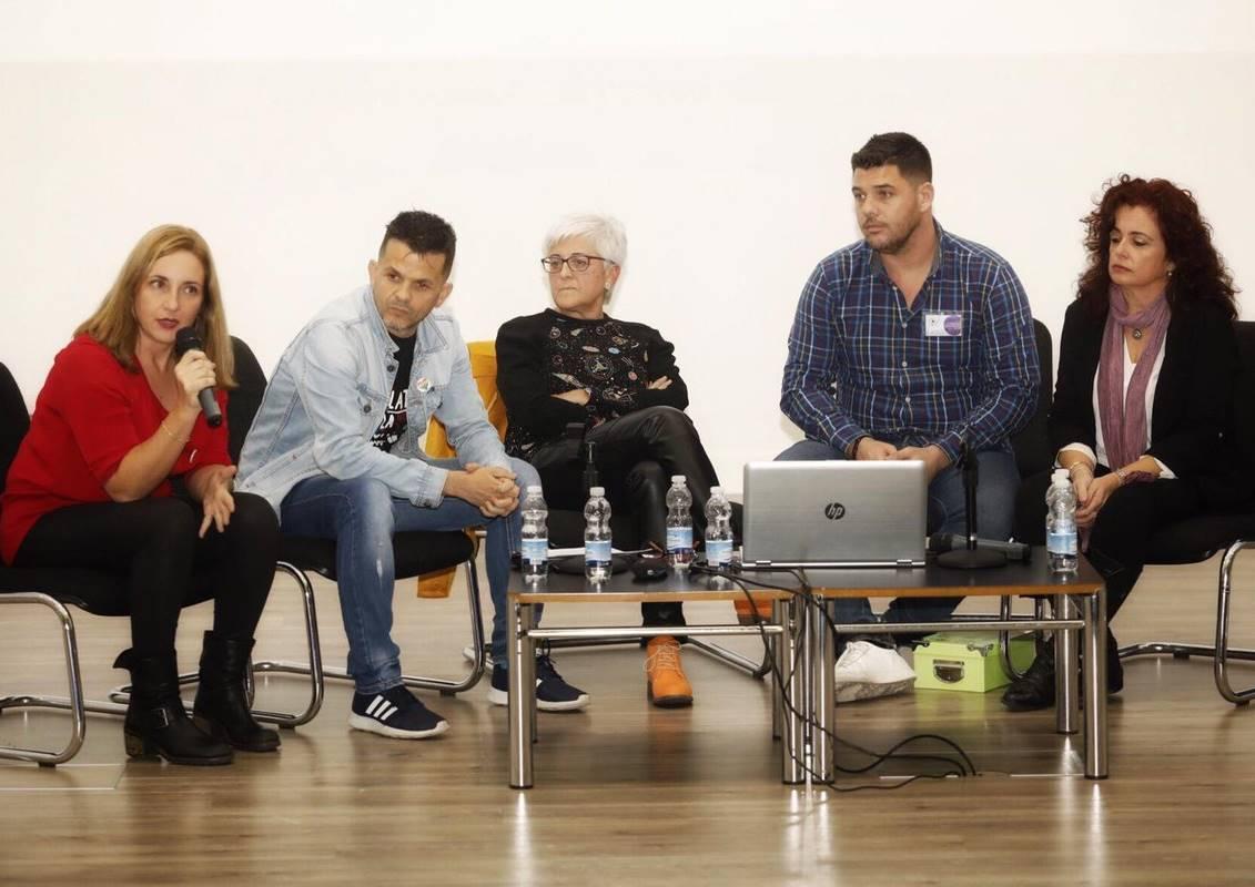 """Exposición de Buenas Prácticas """"Diversidad Afectivo-Sexual y Familiar en la Escuela"""""""