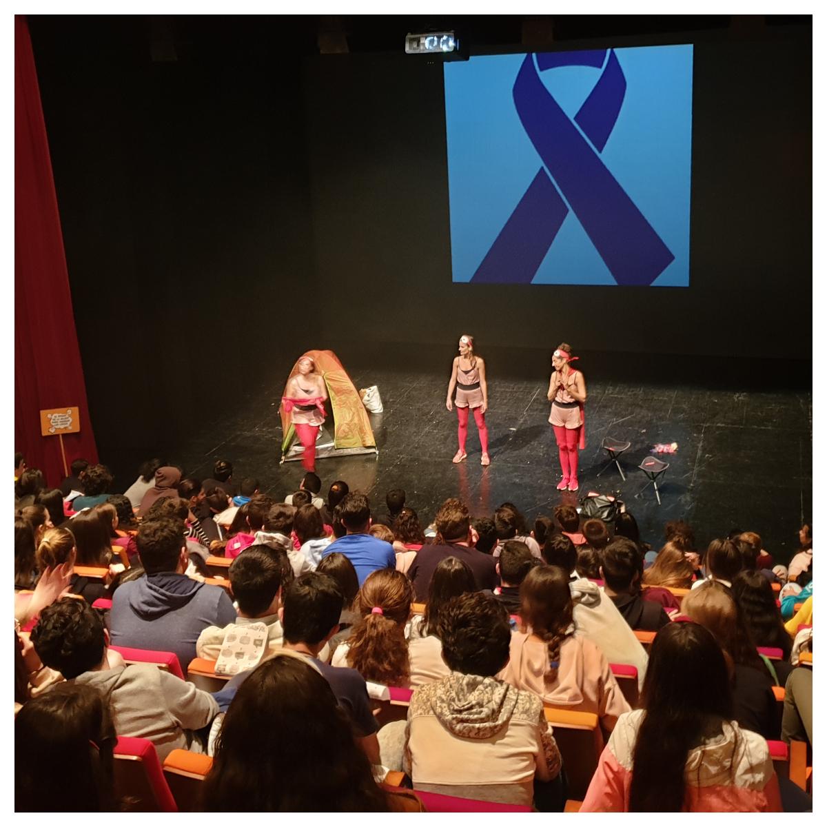 """""""Superheroínas"""": Teatro con motivo de la celebración del Día Internacional de la Mujer"""